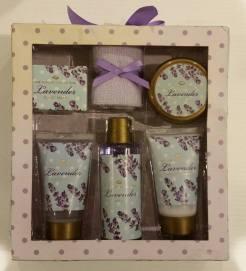 Boots Lavender Bath Set. Starting Bid- £1